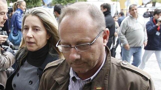 El padre de Marta tendrá que pagar 2.400 euros al hermano de Carcaño y a Samuel