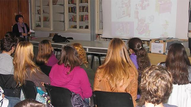 El taller se imparte en cinco centros educativos de Mairena del Aljarafe