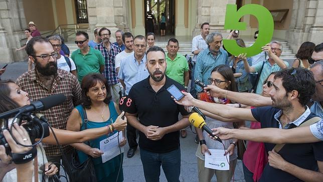 Rubén Sánchez, portavoz de Facua, en la presentación de Ganemos Sevilla