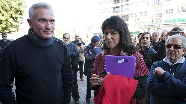 Teresa Rodríguez junto a Diego Cañamero