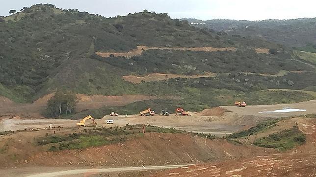 Máquinas trabajando en la zona