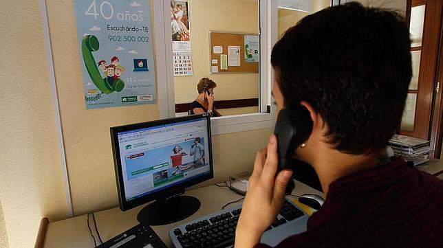 El Teléfono de la Esperanza está disponible las 24 horas de los 365 días del año