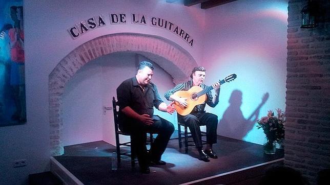 José Luis Postigo, al toque, fundador de la Casa de la Guitarra