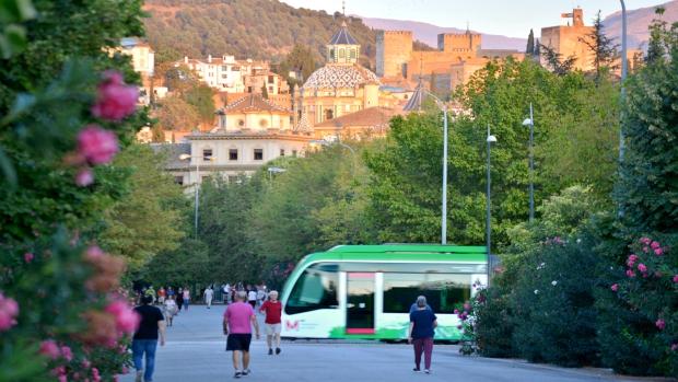 El metro de Granada, a su paso por los Paseíllos Universitarios