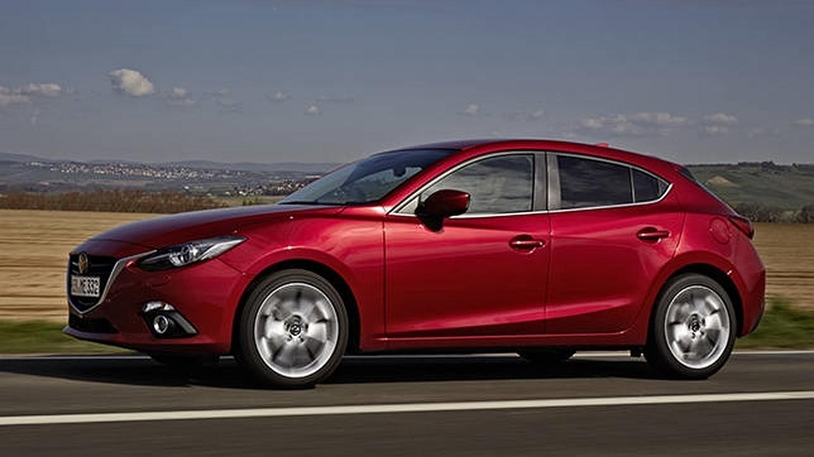 Vista lateral del nuevo Mazda3 1.5 SKYACTIV-D