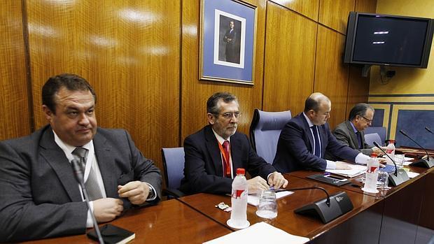 El exdelegado de Empleo en Sevilla, Antonio Rivas, durante su comparecencia en la comisión de investigación