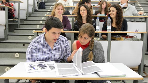 Estudiantes de la Universidad de Córdoba, en una de las aulas