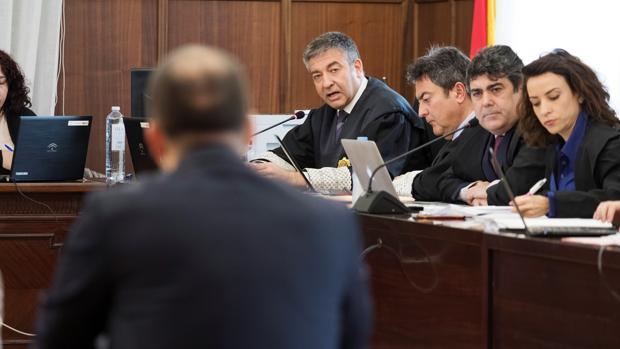 Un miembro de la UCO responde ante el tribunal que juzga los ERE