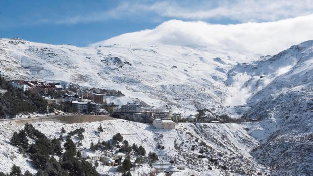El Parque Nacional de Sierra Nevada encierra una de las ofertas más amplias para realizar actividades ecoturistas en Andalucía