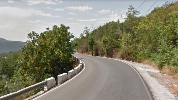 La agresión tuvo lugar en la carretera A-348, en Las Barreras