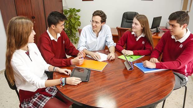 Alumnos de Bachillerato de los centros de la Fundación Santos Mártires