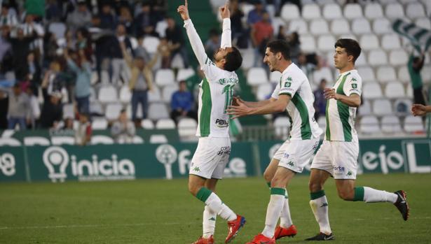 De las Cuevas celebra el gol ante el Málaga