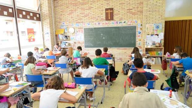Alumnos en un aula de clase