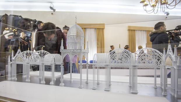 Maqueta de la catedral efíímera que se levantará en Almonte