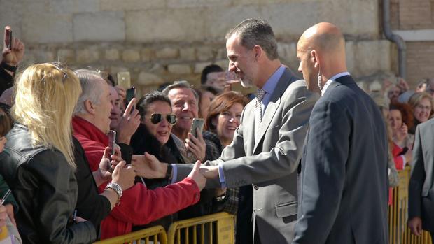 Centenares de personas han aclamado al Rey durante su visita a Jaén
