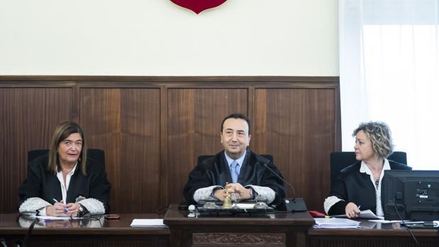 Encarnación Gomez, Juan Antonio Calle y Pilar Llorente