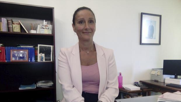 La juez de Instrucció número seis de Sevilla, María Núñez Bolaños, en su despacho