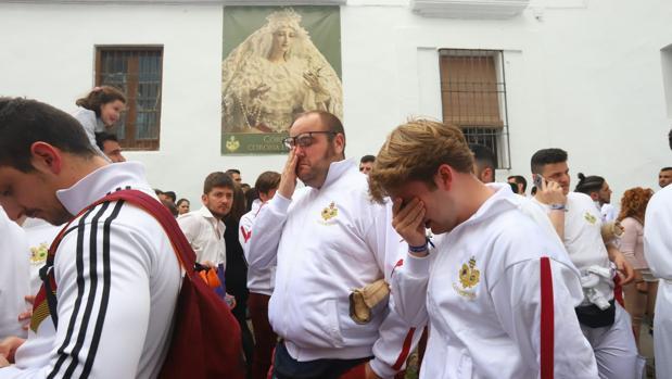 Lágrimas en La Paz ante el anuncio de que no saldría