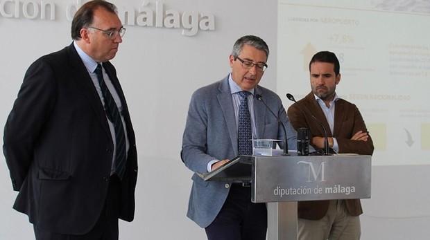 El presidente Francis Salado durante la presentación de los datos