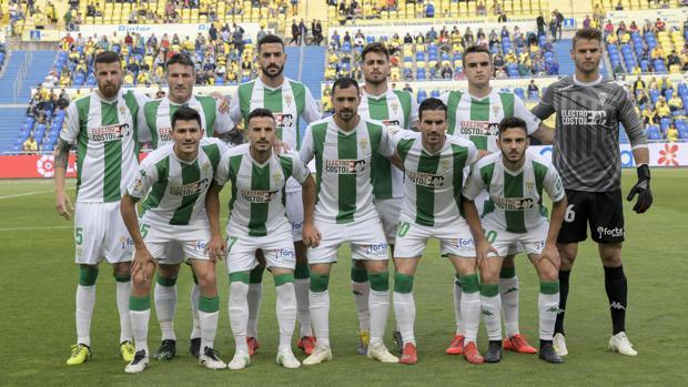 Once titular del Córdoba CF que ha consumado el descenso a Segunda B en Las Palmas