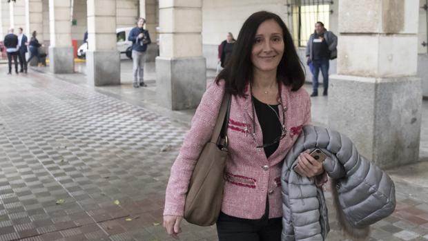 La juez en una imagen de archivo se dirige a los juzgados de Sevilla