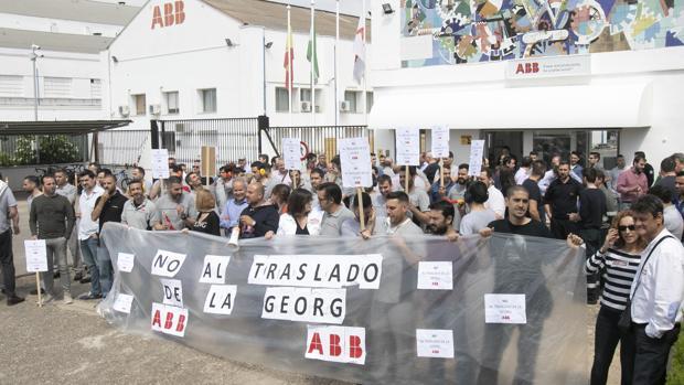 Manifestació de trabajadores de ABB en la planta cordobesa en mayo del año pasado