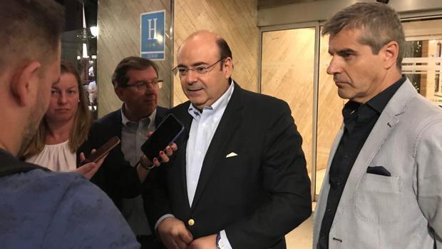 El candidato del PP a la alcaldía de Granada, Sebastián Pérez