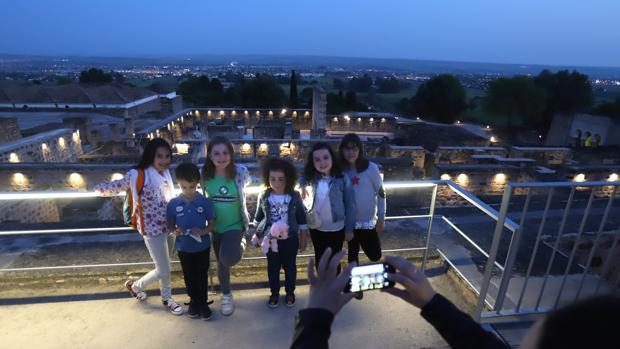 Visita nocturna a Medina Azahara