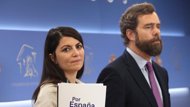 Los diputados de Vox Macarena Olona e Iván Espinosa de los Monteros anunciaron la campaña por Borja