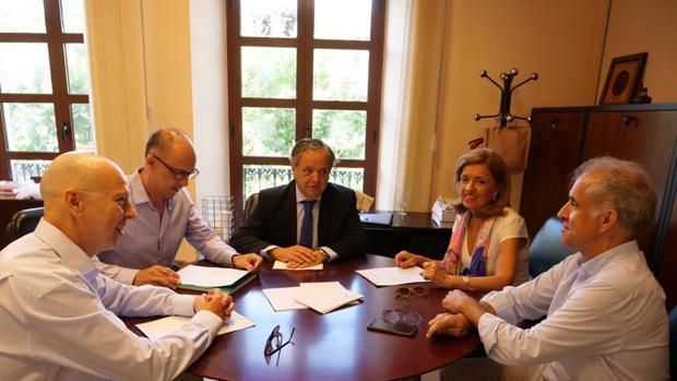 Reunión entre representantes de la Gerencia de Urbanismo y la Junta de Andalucía