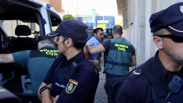 El detenido a su llegada a los juzgados de Huelva