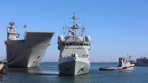 El buque Audaz zarpa de su base de Rota