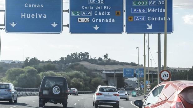 Desviaciones hacia Huelva y Cádiz en los accesos a Sevilla
