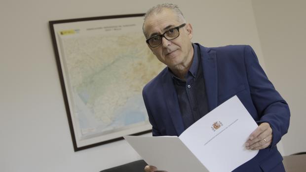 Joaquín Paez, en su despacho de la CHG en Sevilla