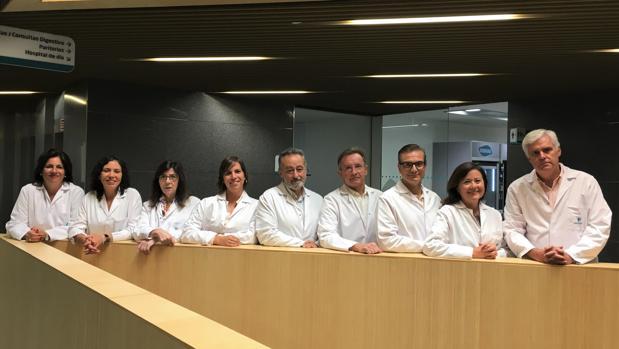 Imagen de los profesionales que componen la Unidad Integral de Mama del Hospital Quirónsalud Córdoba