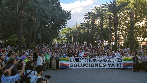 Manifestación en Linares, la ciudad con más paro de España, contra el desempleo