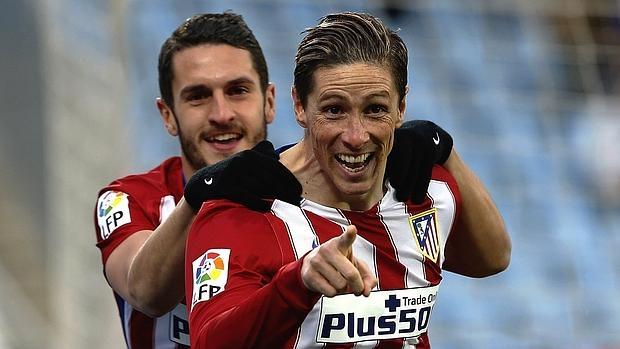 Torres, felicitado por Koke tras marcar
