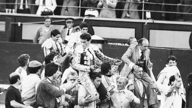 Victorino Martín, José Luis Palomar, Ruiz Miguel y Esplá salen a hombros de Las Ventas en la llamada Corrida del Siglo