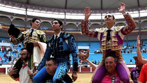Pablo Aguado, Cayetano y «El Fandi» triunfan en León