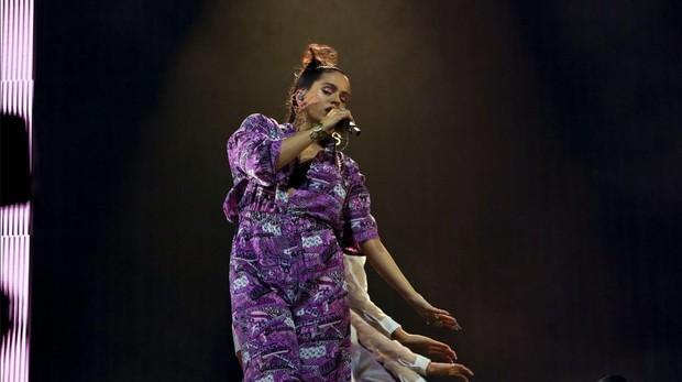 Rosalía, durante su actuación en Glastonbury