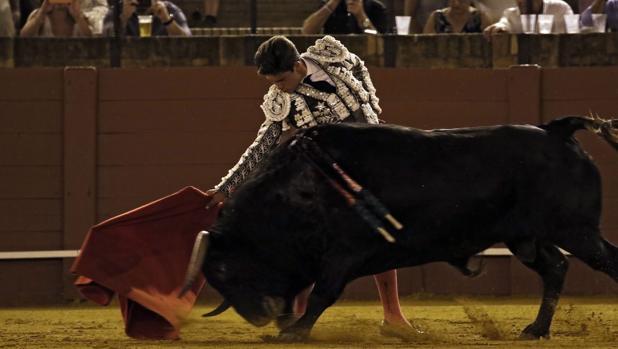 Rafael González es el único novillero que ha cortado dos orejas
