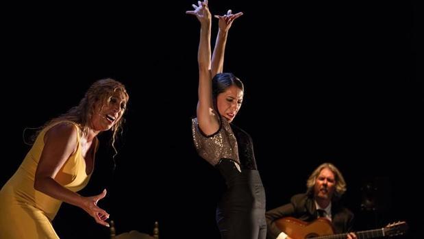 Estreno de «Sin permiso» de la bailaora Ana Morales, en el teatro romano de Baelo Claudia