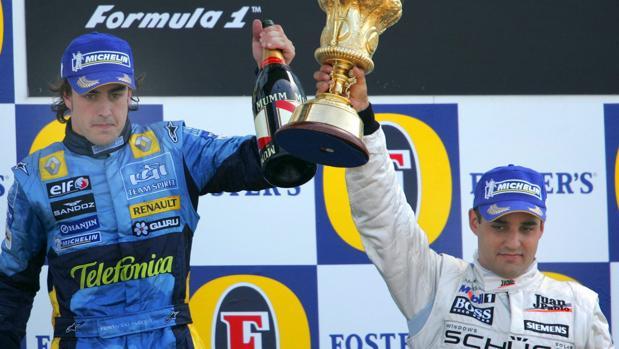 Alonso y Montoya, en un podio del Mundial de Fórmula 1 de 2005