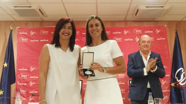 María José Rienda, junto a Anabel Medina, tras anunciar su adiós al tenis