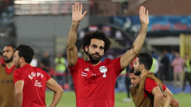 Mohamed Salah, durante el calentamiento previo al duelo contra Suazilandia