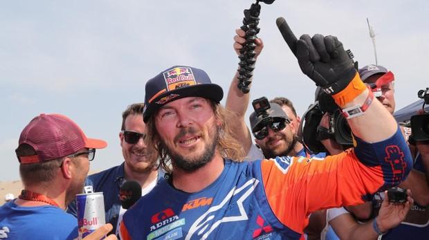 Toby Price, ganador en motos