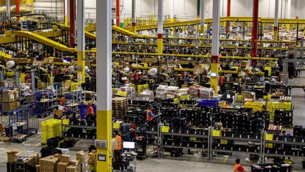 Uno de los almacenes logísticos de Amazon en Madrid