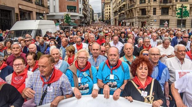 El Movimiento de Pensionistas de Bizkaia se manifiesta en demanda de unas pensiones dignas y del blindaje del sistema público actual
