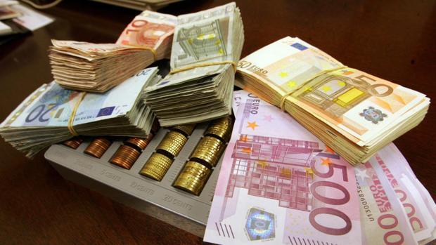 España prevé cerrar hoy su primera emisión sindicada del año, con la que intentará captar entre 7.000 y 10.000 millones.