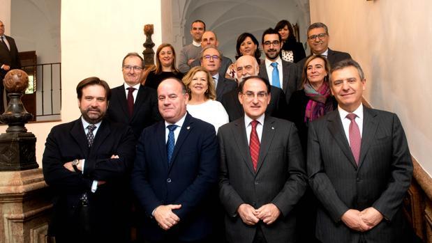 El comité ejecutivo de la CEA ha visitado el Ayuntamiento de Antequera